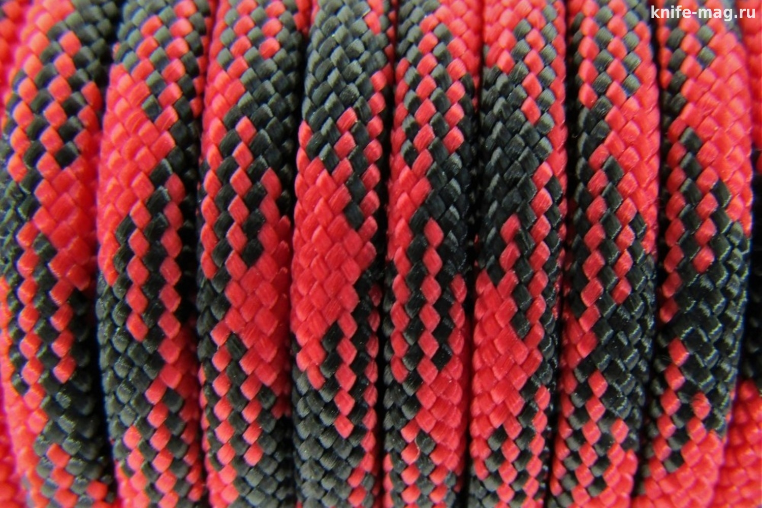 Paracord Type III 550, Camo Black&Red